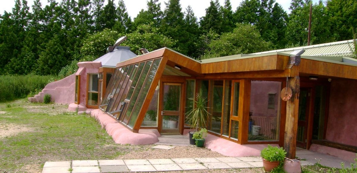 How to construct a self-sustainable home?
